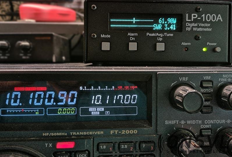 10.100 Mhz = ROS 3,41:1  Il faut absolument un Tuner d'antenne sur cette bande