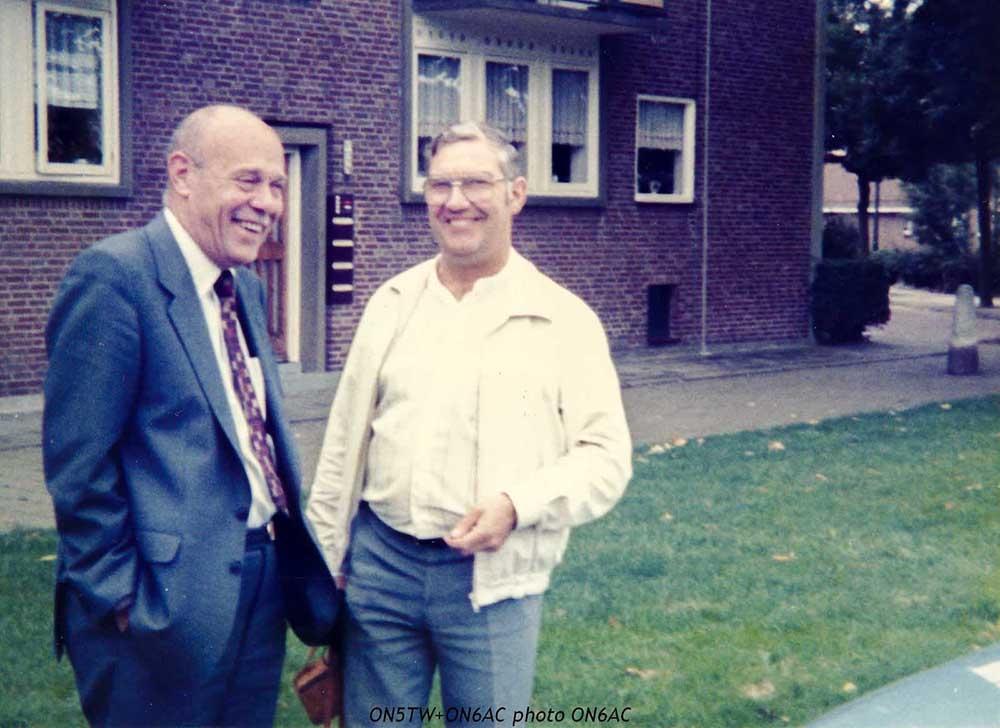 1985-09b-fam-amis-19-valdemar-leon-eindhoven-r-c