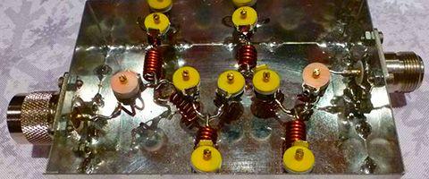 Construction OM d'un filtre éliminateur de bande de radiodiffusion FM 88 MHz – 108 MHZ pour un répéteur radioamateur VHF 2 m66  min de lecture